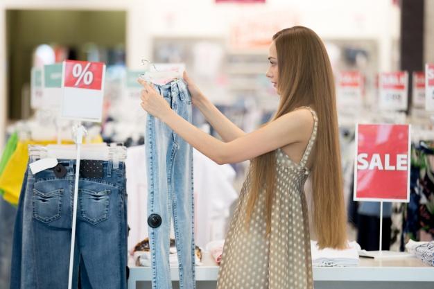 בגדים: לקנות או לתפור?